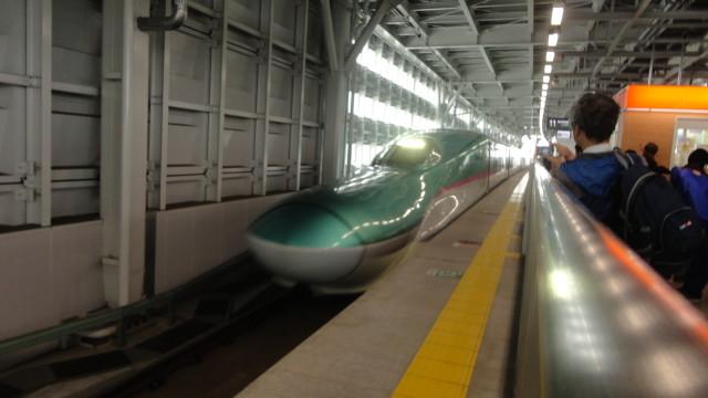 японский поезд Bullet Train