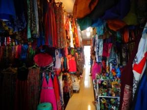 частный рынок одежды в убуде