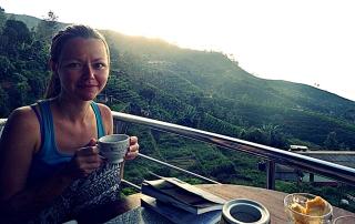 Sri lanka tea plantations girl