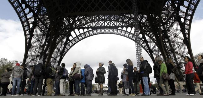 Эйфелева башня Париж очередь